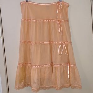 Tiered knee length Tramp skirt size large